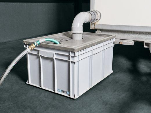 Afvalwatertank met pomp huren
